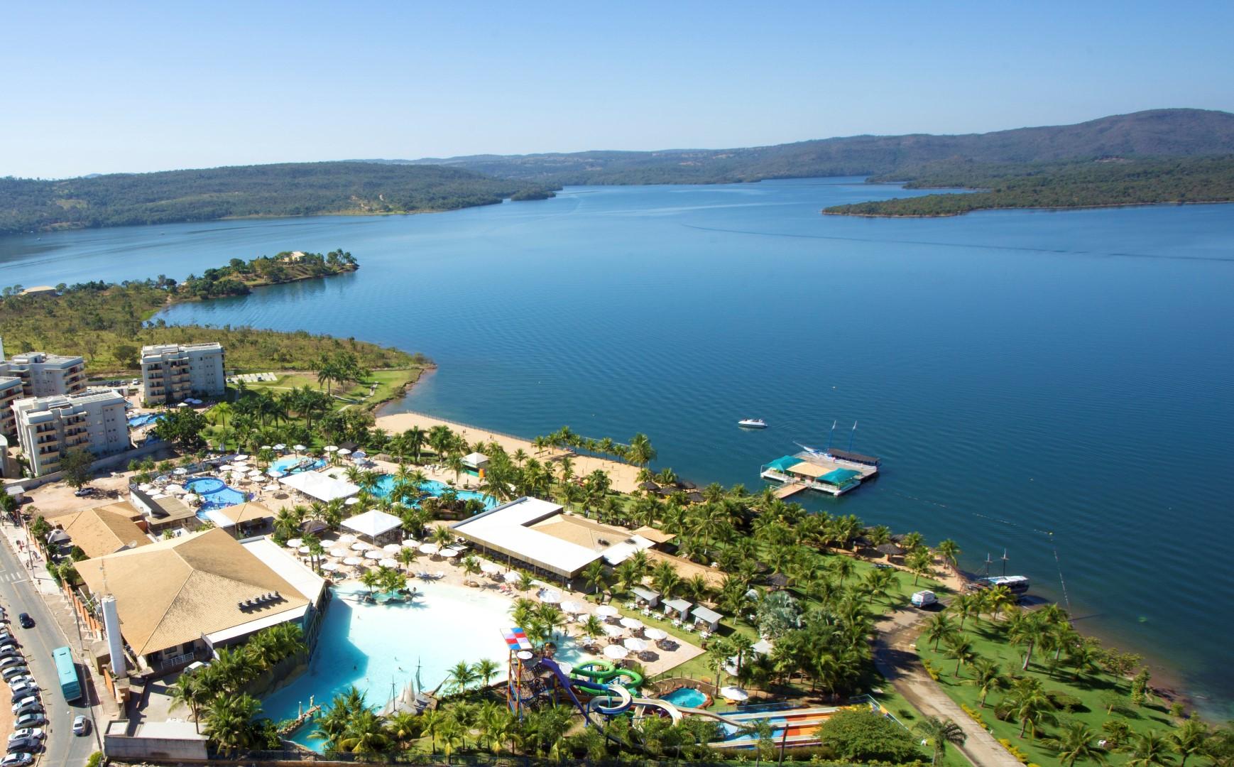 Vista do lago e do Náutico Praia Clube