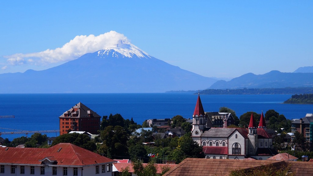 Puerto Varas e sua estonteante vista para o Lago Llanquihue e o Vulcão Osorno - Crédito da foto: Not Here For A While